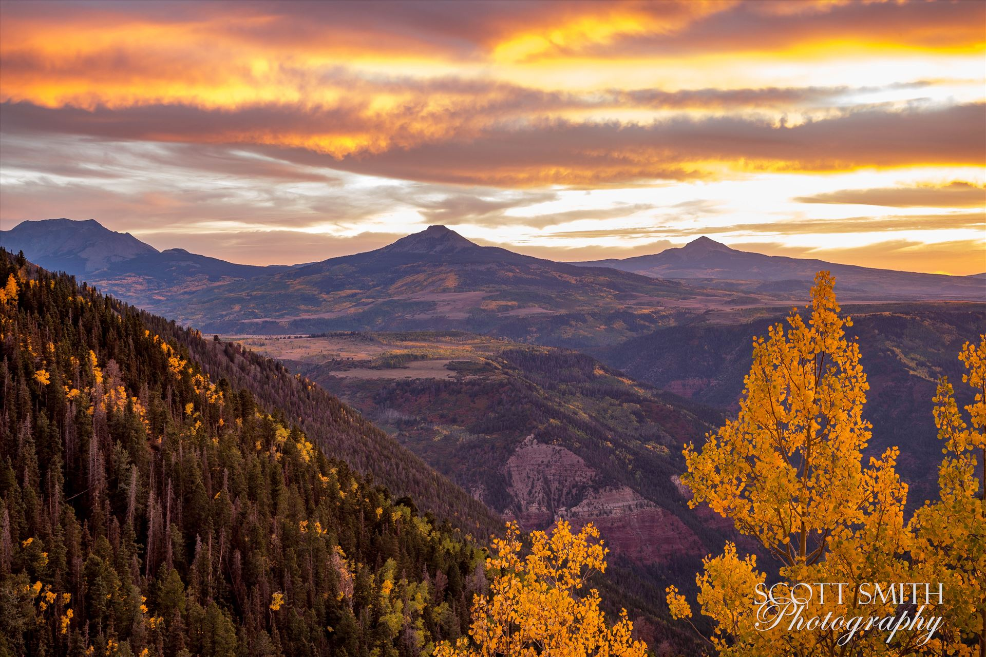 Last Dollar Road Sunset - Sunset on a quiet, secluded spot from Last Dollar Road, outside of Telluride, Colorado in the fall. by Scott Smith Photos