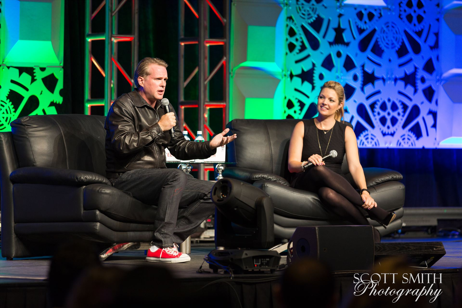Denver Comic Con 2016 29 - Denver Comic Con 2016 at the Colorado Convention Center. Clare Kramer and Cary Elwes. by Scott Smith Photos