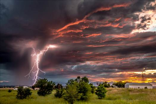 Storms and Lightning - A collection of storms, lightning and interesting weather photos.
