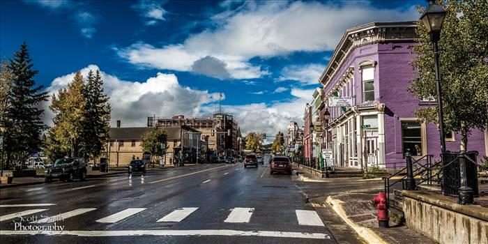Businesses line a busy main street in Leadville, CO.